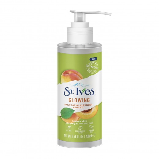 St.Ives Glowing Facial Cleanser 200 ml