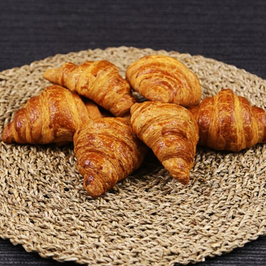 Bredz Freshly Baked Plain Croissant 30 g (6 Pcs)