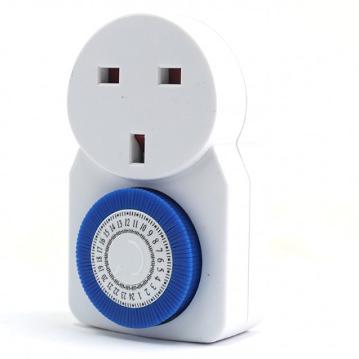 Masterplug 24 Hour Mechanical Timer - White