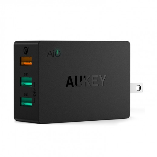 Aukey 3- Port USB Charger Quick charge 3.0 – Black