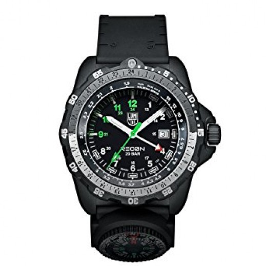 Luminox Men Black Recon Analog Display Quartz Watch A.8832.MI