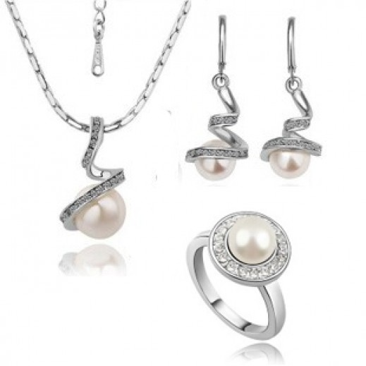 Helen White Gold-Plated Pearl jewelry Set
