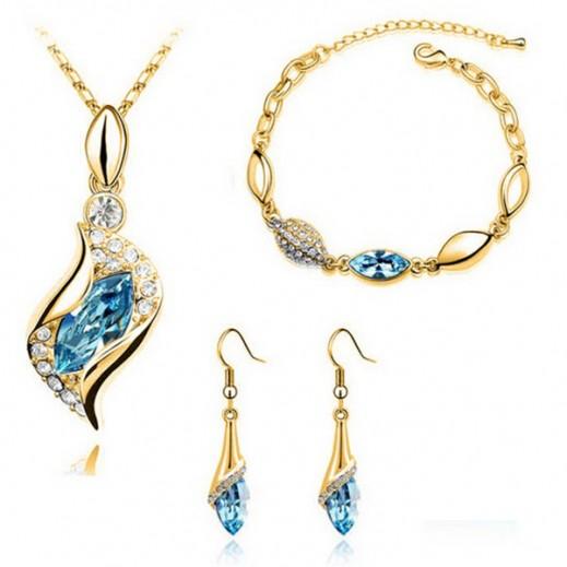 هيلين – طقم مجوهرات من حجر الكريستال المجري الأزرق مطلي بالذهب عيار 18 موديل M01087