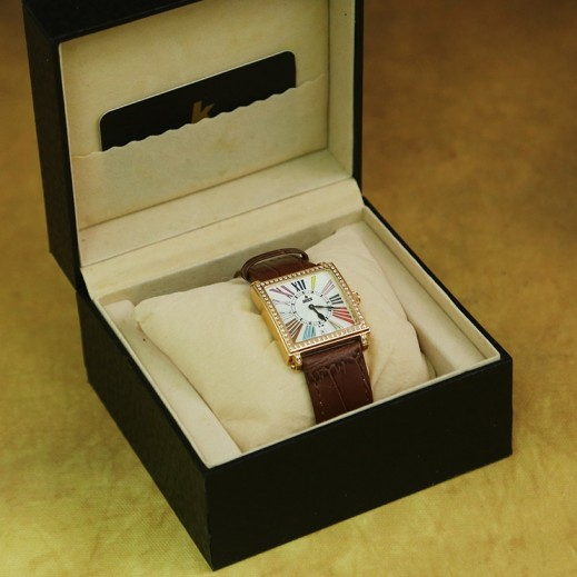 ايكون – ساعة يد للسيدات عقارب بسوار جلد بني