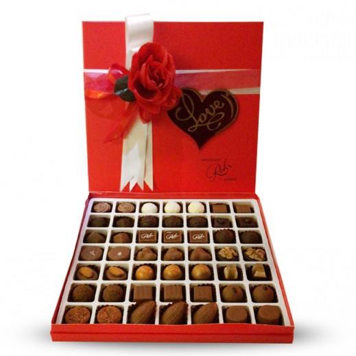 شوكولاتة رور- علبة شوكولاتة مميزة - أحمر 49 حبة  - يتم التوصيل بواسطة Chocolates Rohr Geneve