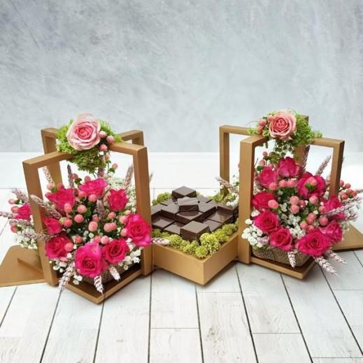 زهور باللون الوردي مع بيبي روز هايبركوم  - يتم التوصيل بواسطة Flowerrique