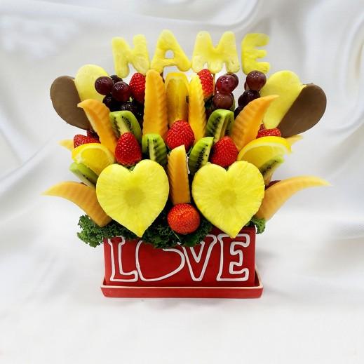 باقة قصة الحب - يتم التوصيل بواسطة Fruit Art