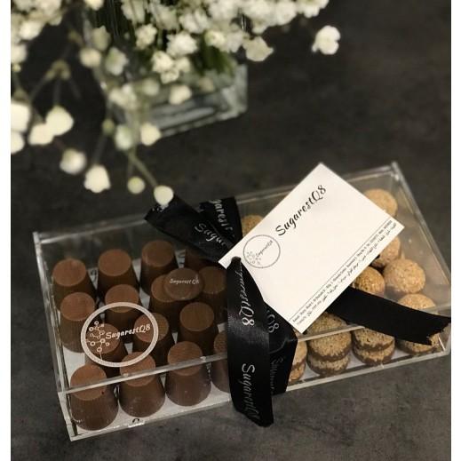 علبة شوكولاتة أكريليك - 47 حبة   - يتم التوصيل بواسطة SugarestQ8 Chocolate