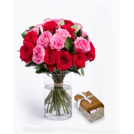 فازة زهور أحمر مع وردي - يتم التوصيل بواسطة Covent Palace