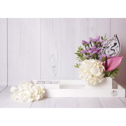 ستاند من الزهور المتنوعة والشوكلاتة - يتم التوصيل بواسطة Gate Of Flowers