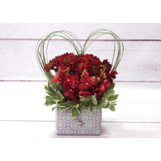 ميكس من زهور الكرز و الأوركيد - يتم التوصيل بواسطة Gate Of Flowers