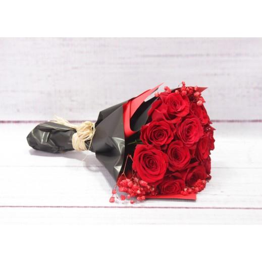 بوكيه من الورد الاحمر و زهور الجيبسو - يتم التوصيل بواسطة Gate Of Flowers