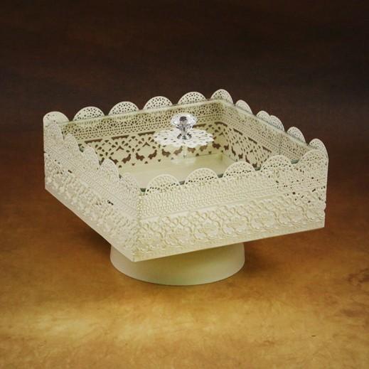 صندوق الحلوى بغطاء زجاجي – أبيض