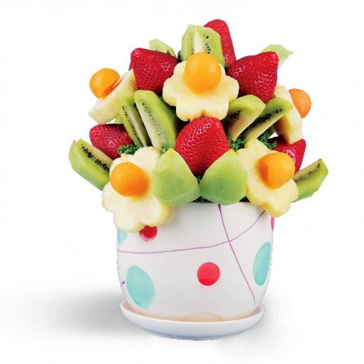 باقة أحتفال اليوم - يتم التوصيل بواسطة Fruit Art