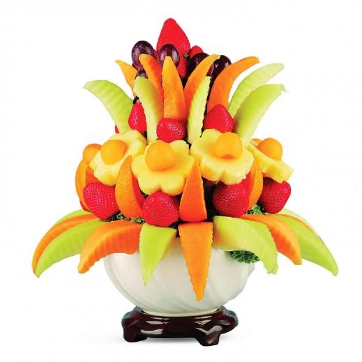 وعاء الفواكه الطازجة  - يتم التوصيل بواسطة Fruit Art