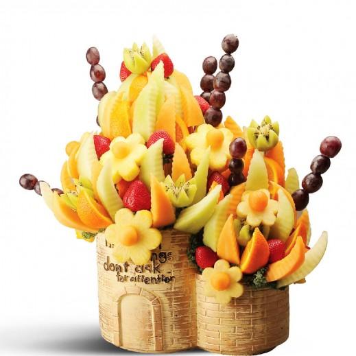 باقة الفواكة الصيفية - يتم التوصيل بواسطة Fruit Art