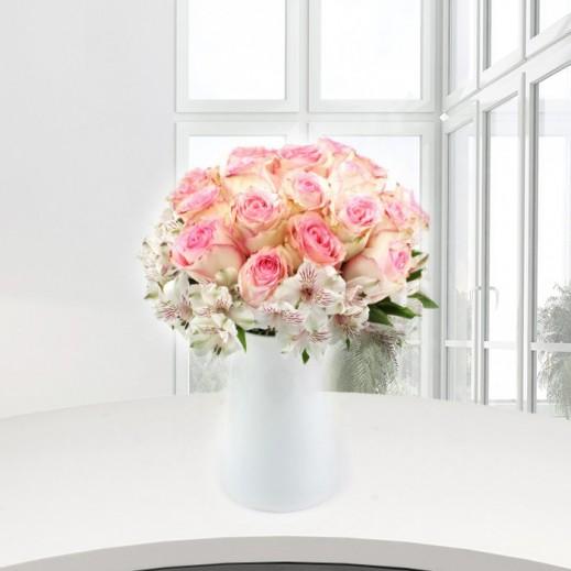 باقة الجوري الوردي - يتم التوصيل بواسطة Gate Of Flowers