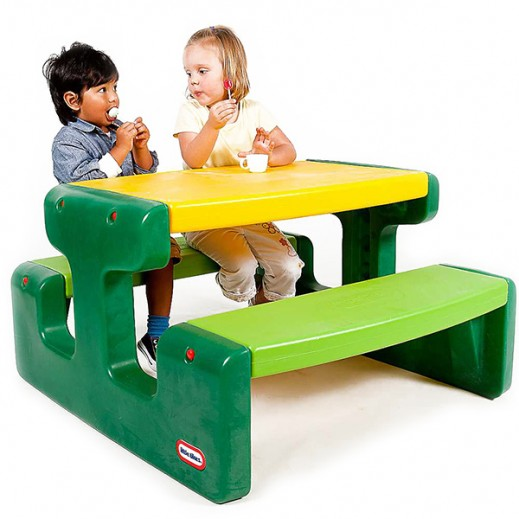 ليتل تايكس – طاولة صغيرة للأطفال – أخضر   - يتم التوصيل بواسطة سفاري هاوس خلال 2 أيام عمل