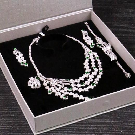 سارة - طقم مجوهرات مطلي ومرصع بالزركون فضي/أخضر (موديل SP0727SE0)