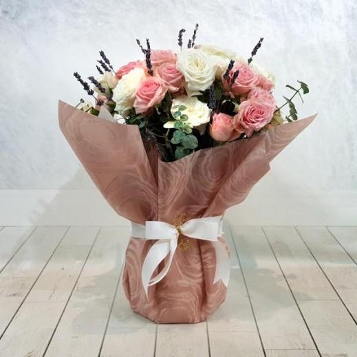باقة زهور بيبي روز متنوعة  - يتم التوصيل بواسطة Flowerrique