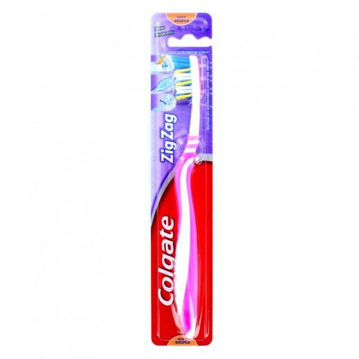 كولجيت – فرشاة لتنظيف الأسنان متعرجة ومرنة