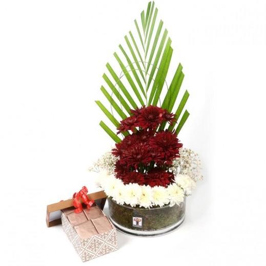 فازة زجاجية مع تشكيلة زهور متنوعة - يتم التوصيل بواسطة Covent Palace