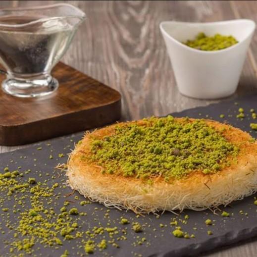 كنافة ناعمة بالجبنة النابلسية 1كجم - يتم التوصيل بواسطة Zalatimo Sweets