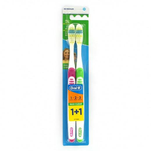 """أورال بي – فرشاة أسنان """"3 Effect"""" للنظافة القصوى حجم 40 وسط (1+1 مجاناً)"""