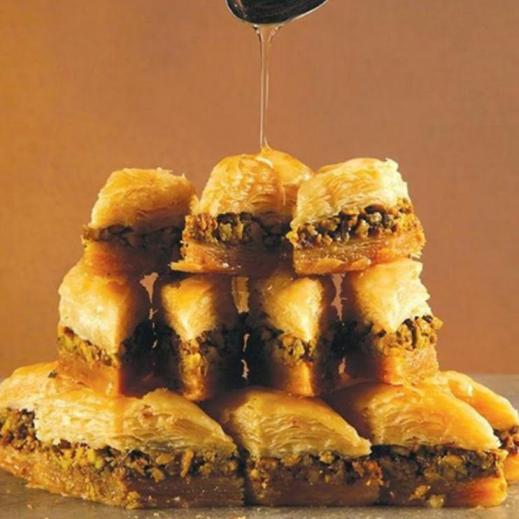 بقلاوة الفستق صغير 1كجم - يتم التوصيل بواسطة Zalatimo Sweets