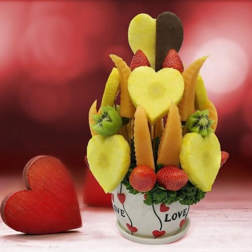باقة فواكه كانتالوب وأناناس - يتم التوصيل بواسطة Fruit Art