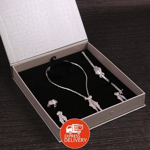 سارة - طقم مجوهرات مطلي ومرصع بالزركون فضي (موديل SP1023SW0)